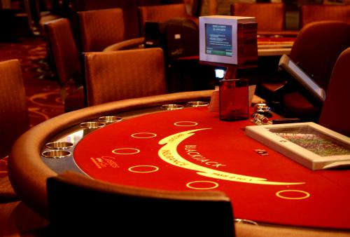 Cheapest blackjack tables on the strip lobstermania free slots game