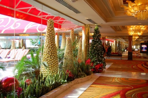 golden nugget at christmas - Las Vegas Christmas Decorations