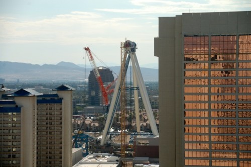 The High Roller, under construction