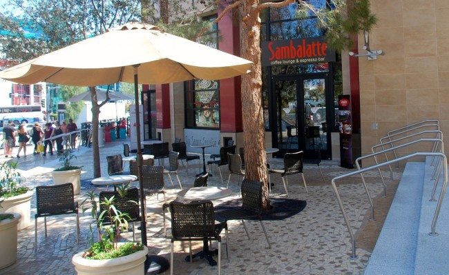 Sambalatte outdoor seating